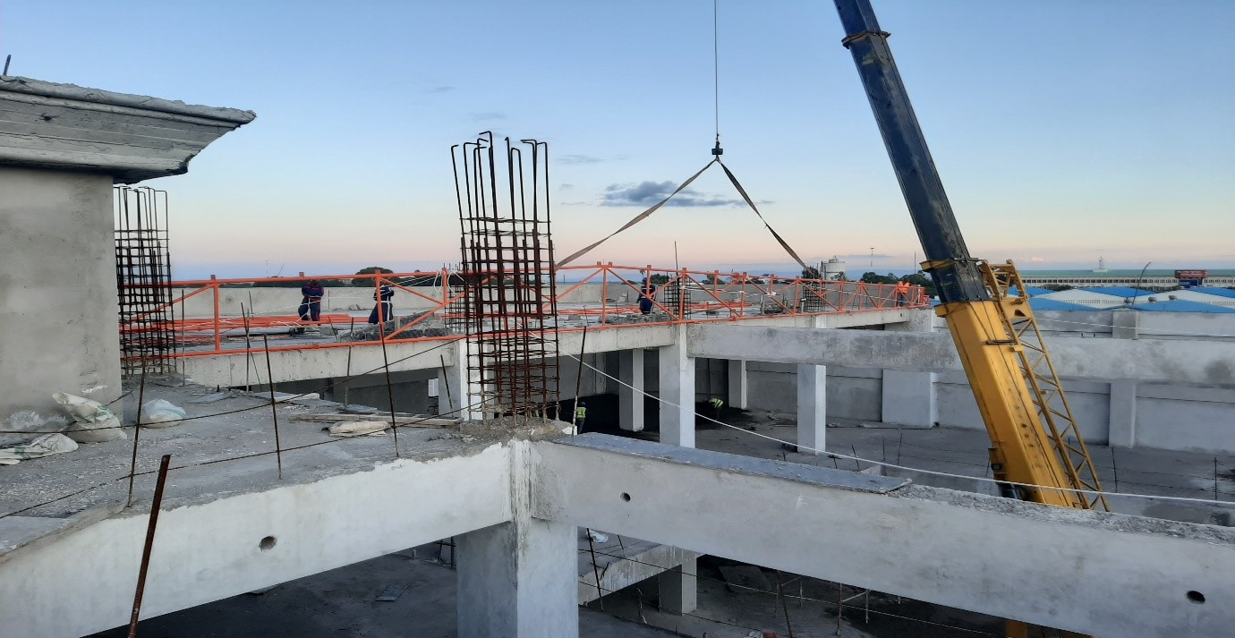 Installation /Lifting works